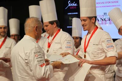 Top Events - Bocuse d'Or, Joël Robuchon übergibt den Preis
